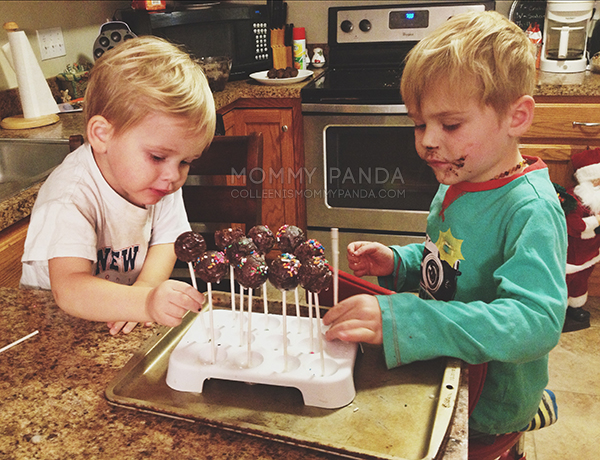 mommy-panda-blog-currently-boys-decorating-cake-pops